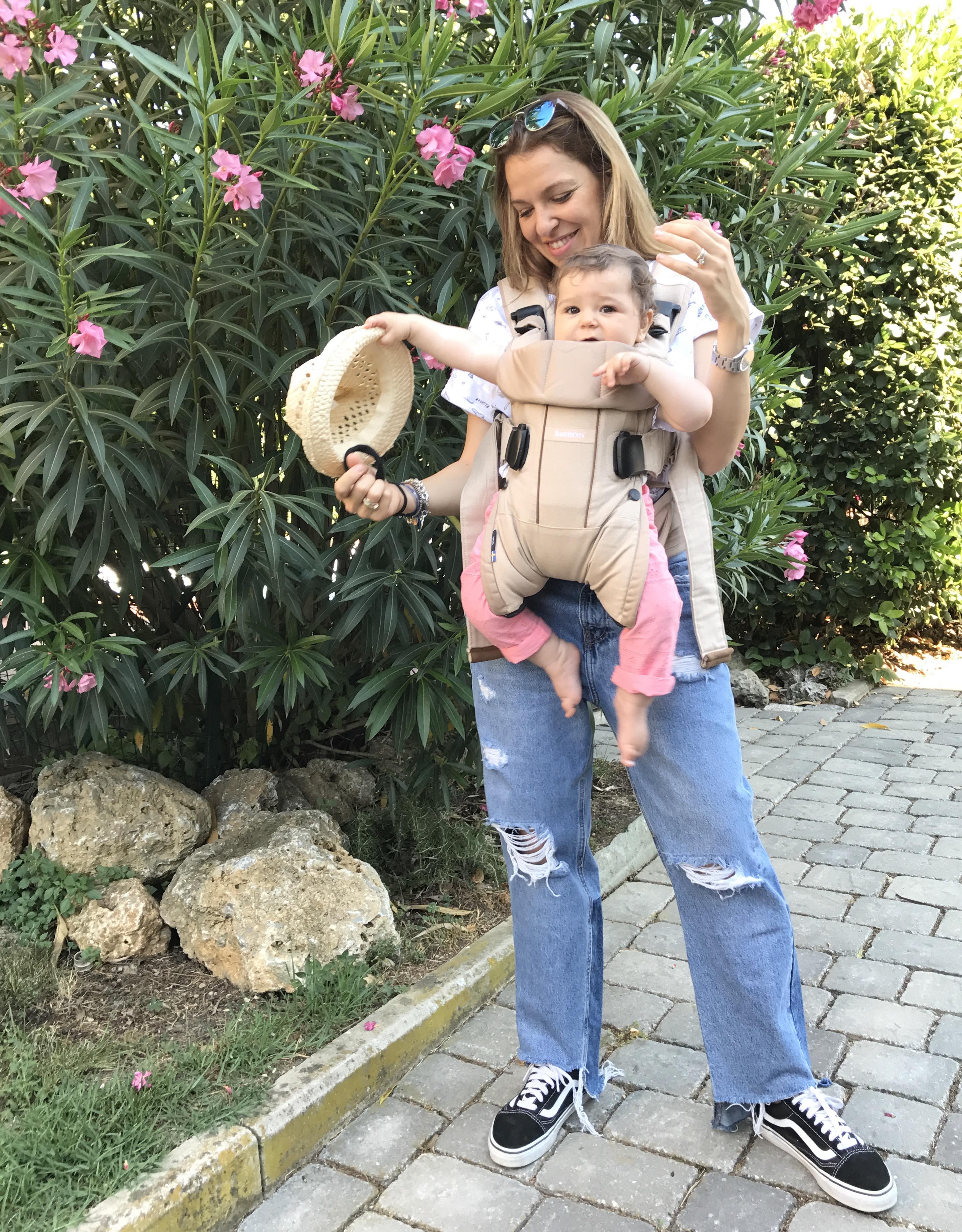 baby wearing Babybijorn