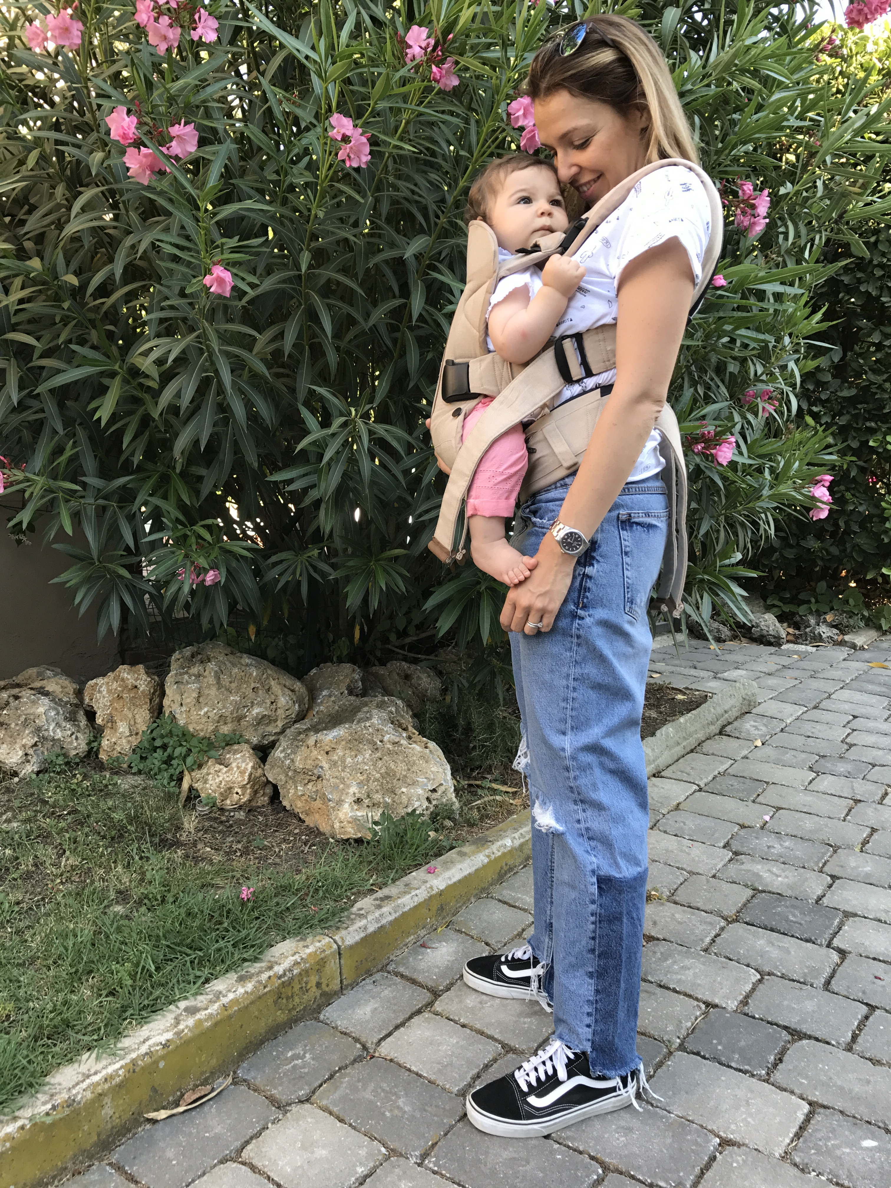 baby wearing babybjorn