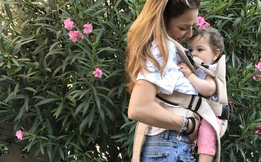 BABYBJÖRN e i benefici del Babywearing
