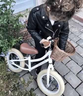 Quale bici scelgo per la mia bambina, la bike con le rotelle o la balance?
